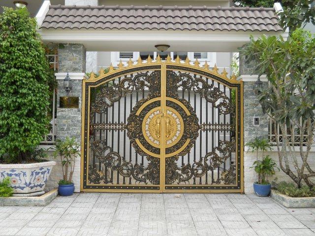 Cửa cổng nhôm đúc TP Vinh Nghệ An